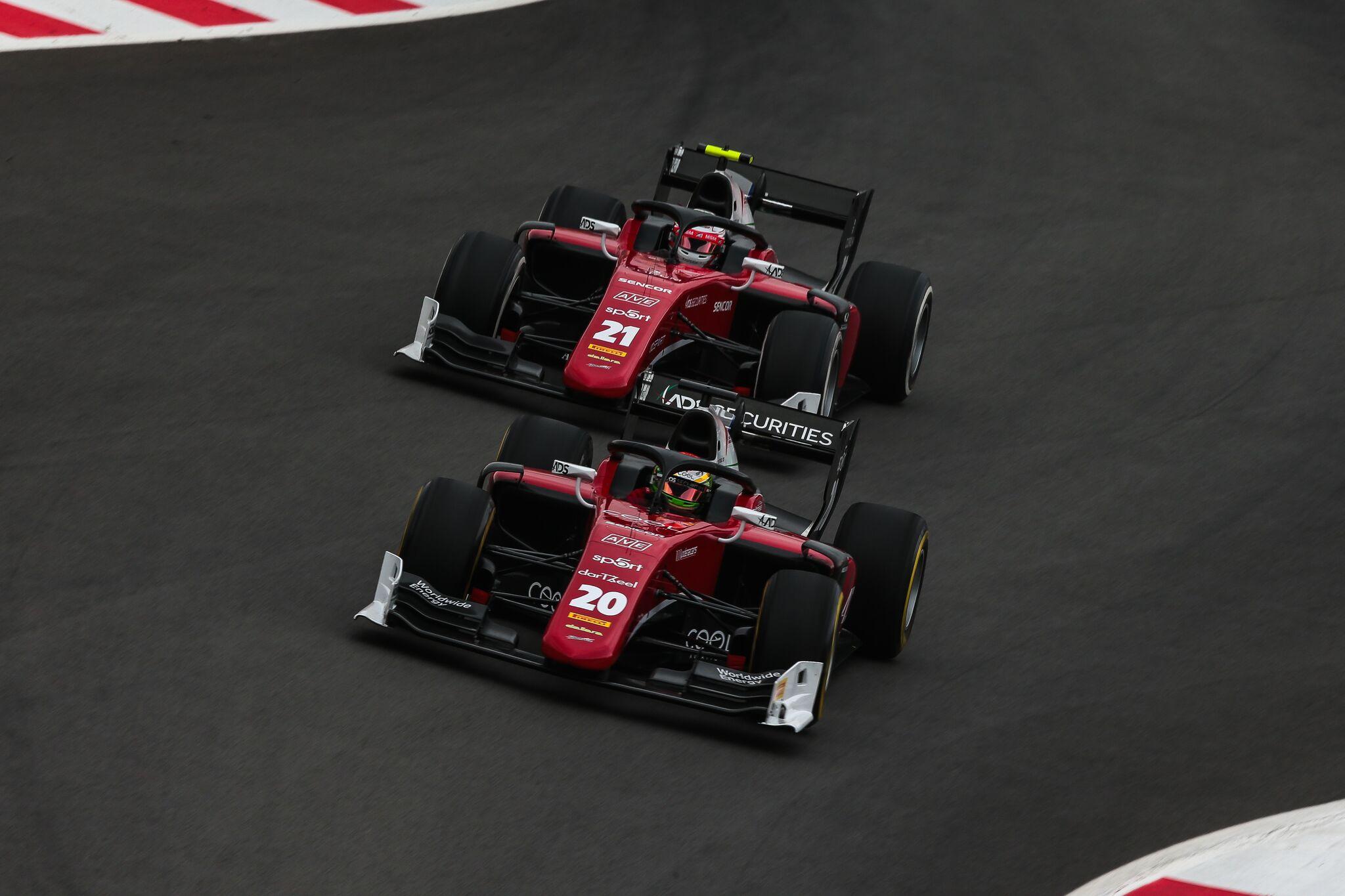 F2 v Monaku: Charouzovi hoši na bodech, Delétraz zajel parádní závod