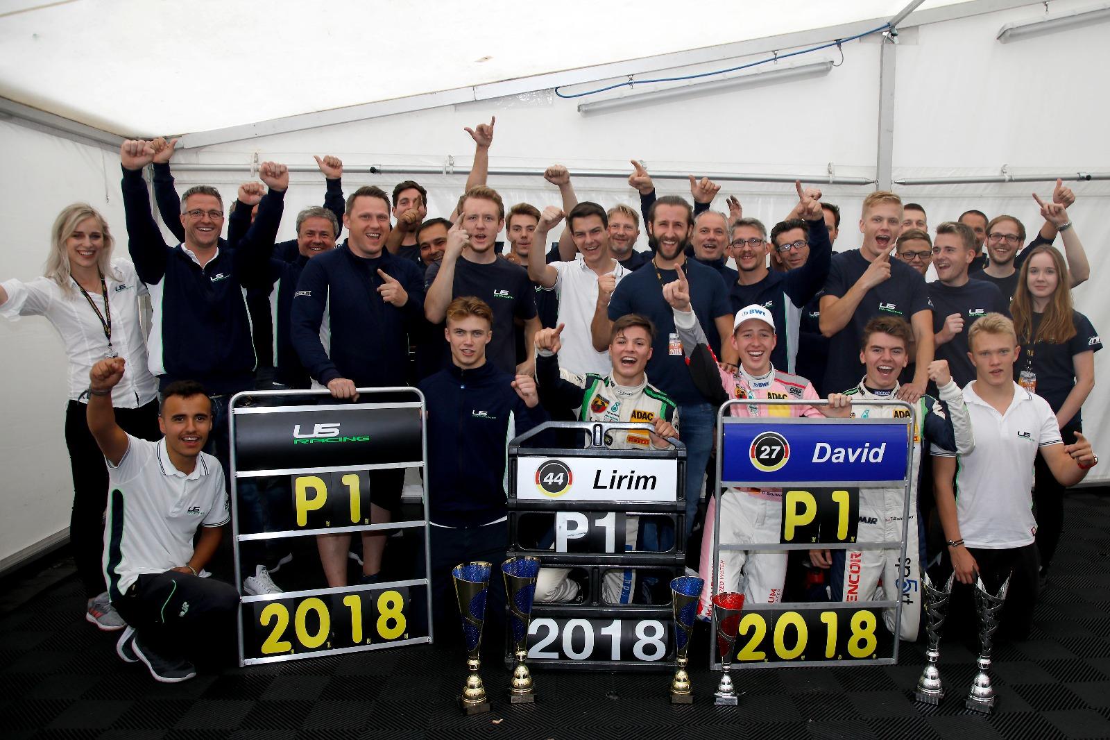 Famózní, parádní, dokonalé!  Spolupráce Charouze a Schumachera přinesla tři tituly!