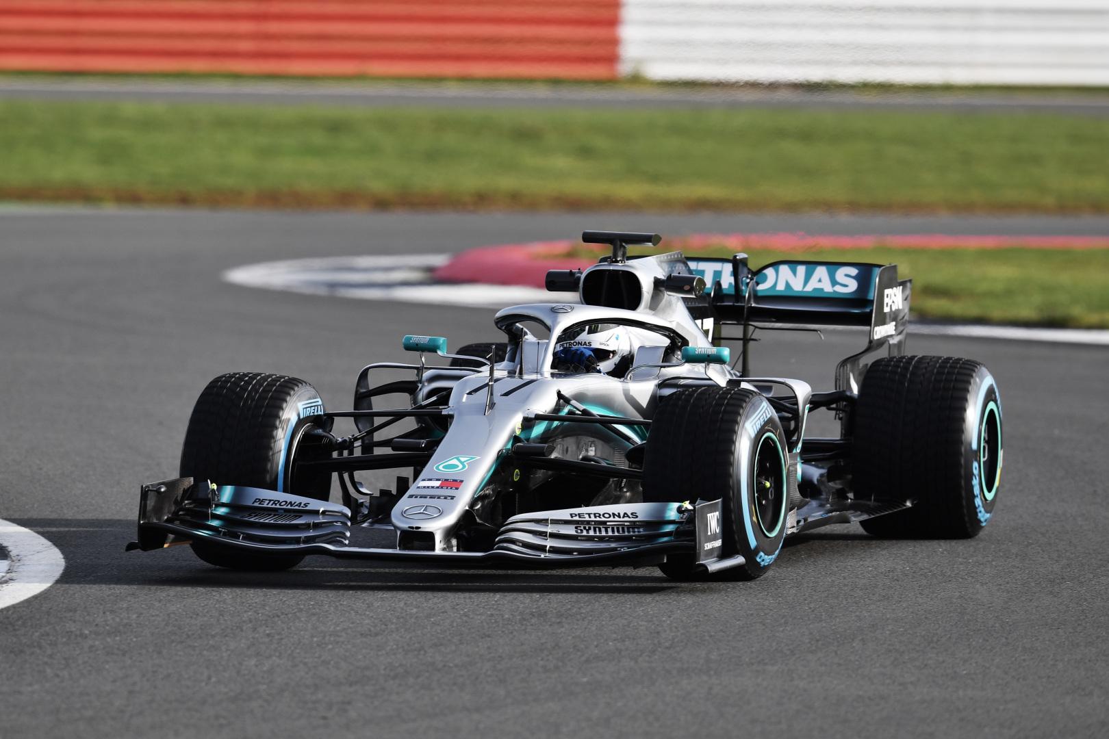 Inside Line: Mercedes představil vůz pro sezonu 2019 a mnoho dalšího...
